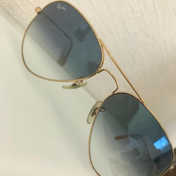 f46f88b57f Ray-Ban Aviator Gradient Gold Sunglasses. M 5adf3a6fa44dbec5baaa8a06